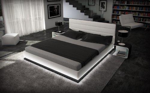 Doppelbett Kunstlederbett RIPANI 180 x 200 cm weiss / schwarzes Kopfteil mit Ziernähten modernes Design Wasserbett geeignet